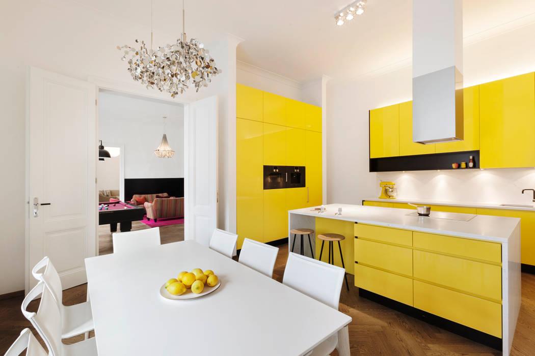 Küche Tischlerei Krumboeck KücheSchränke und Regale Holz Gelb