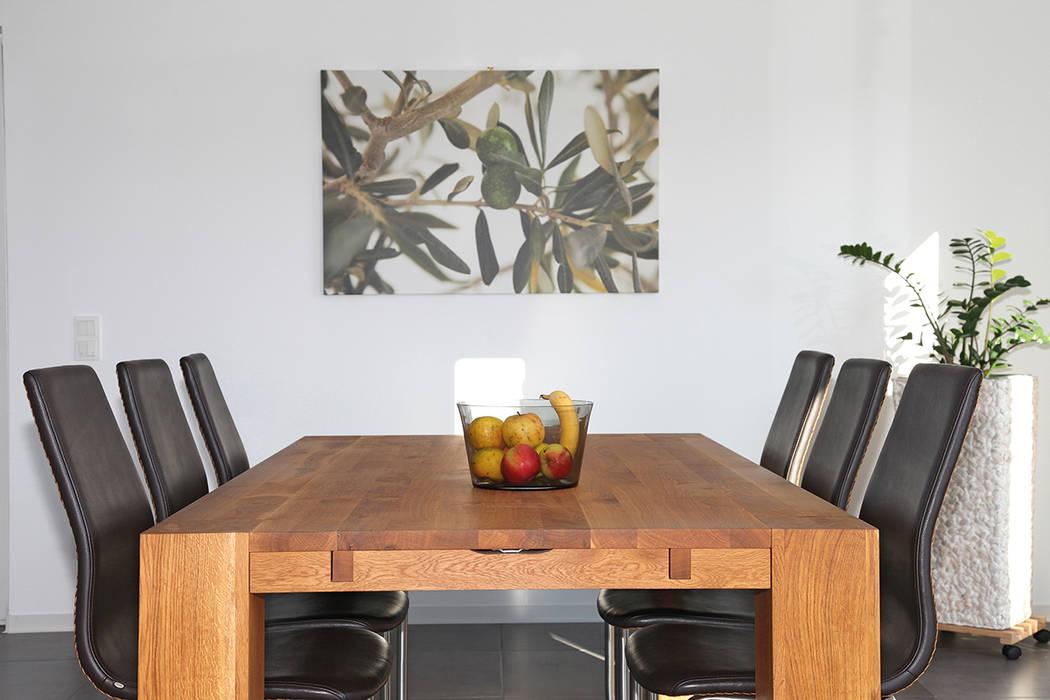 Столовые комнаты в . Автор – FingerHaus GmbH - Bauunternehmen in Frankenberg (Eder), Средиземноморский