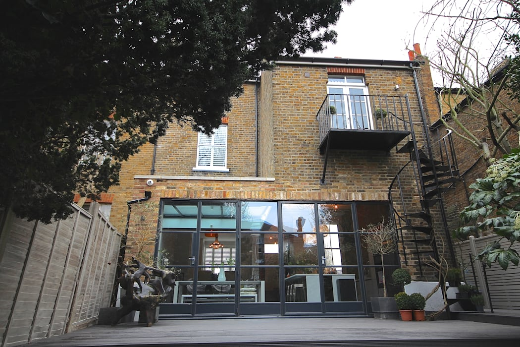 Full House Renovation with Crittall Extension, London:  Houses by HollandGreen, Industrial