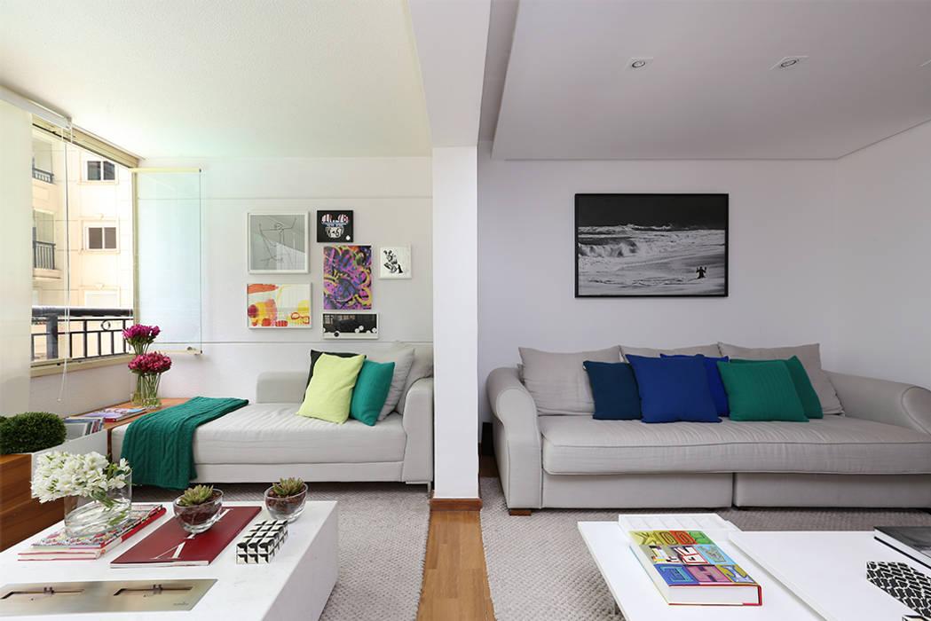 现代客厅設計點子、靈感 & 圖片 根據 Casa 2 Arquitetos 現代風