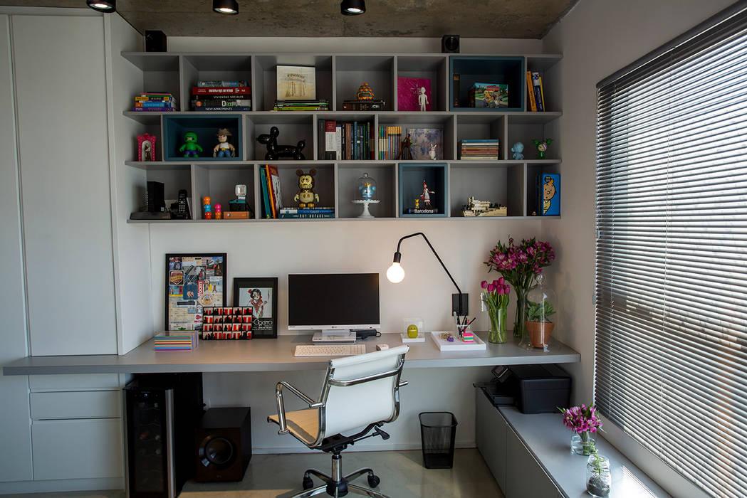 Study/office by Casa 2 Arquitetos, Modern