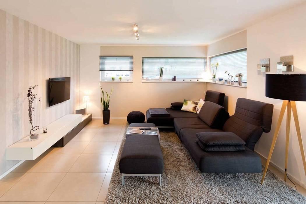 VIO 302 - Wohnzimmer Moderne Wohnzimmer von FingerHaus GmbH - Bauunternehmen in Frankenberg (Eder) Modern