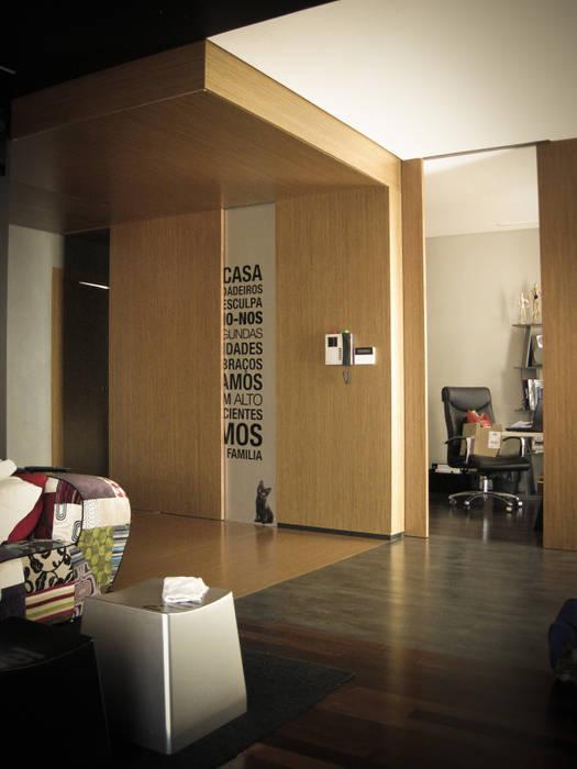 Habitação - Trancoso 14: Escritórios e Espaços de trabalho  por ARKIVO