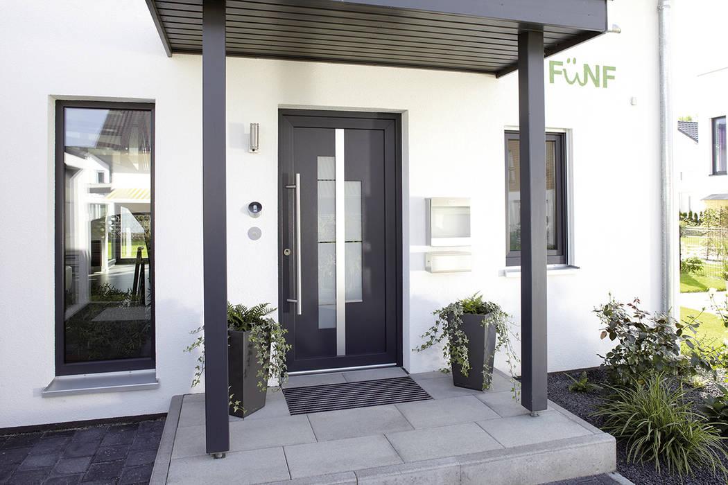 puertas principales de estilo por fingerhaus gmbh bauunternehmen in frankenberg eder homify