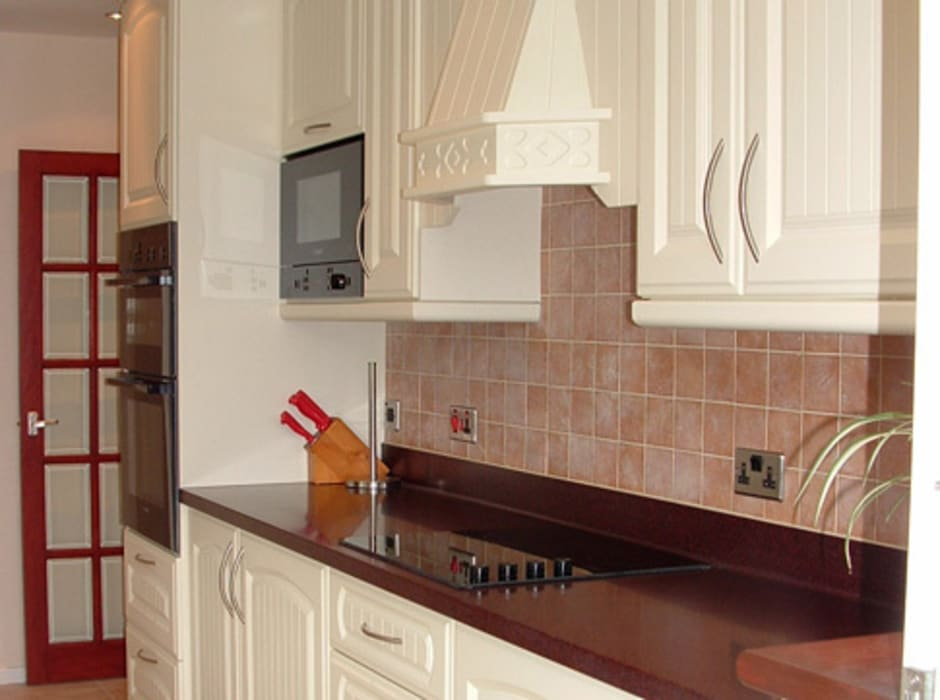 Kitchen by Traditional Woodcraft