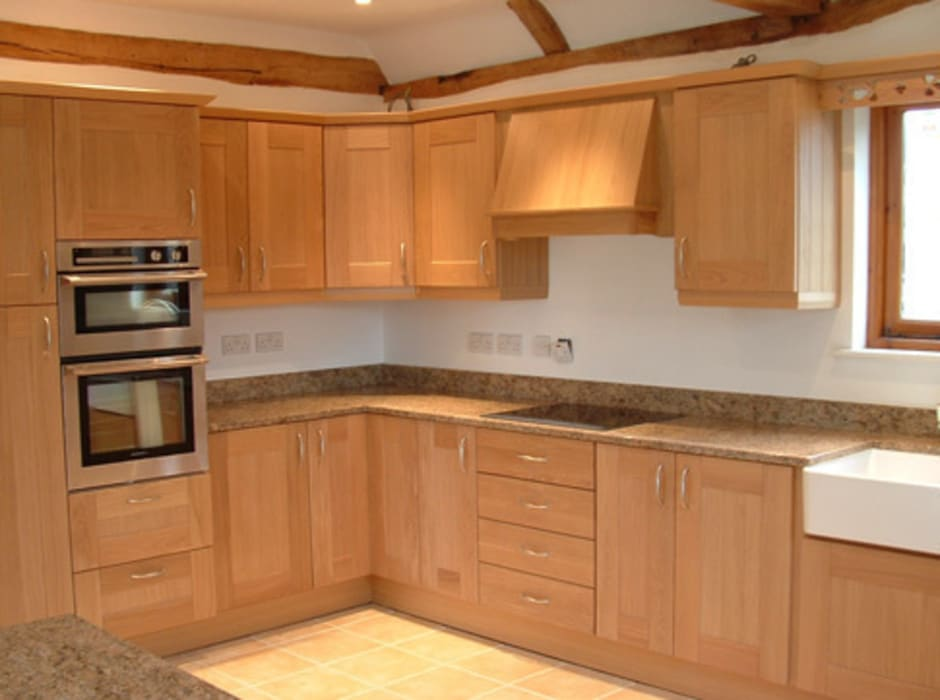 Kitchen by Traditional Woodcraft, Classic