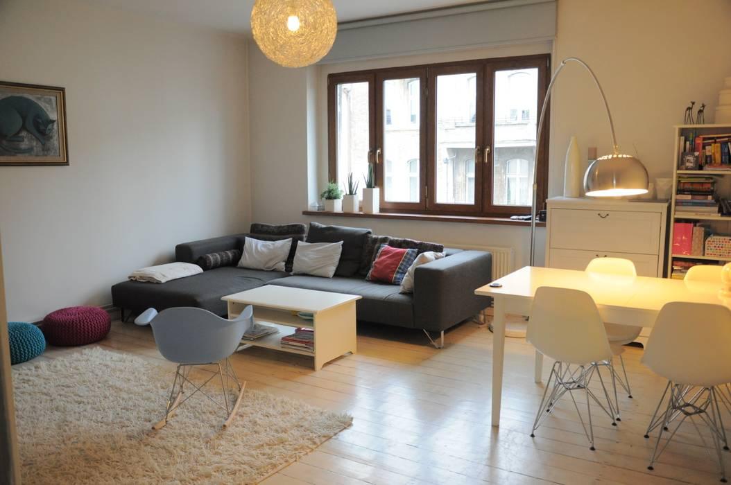 Mieszkanie z duszą: styl , w kategorii Salon zaprojektowany przez Perfect Home