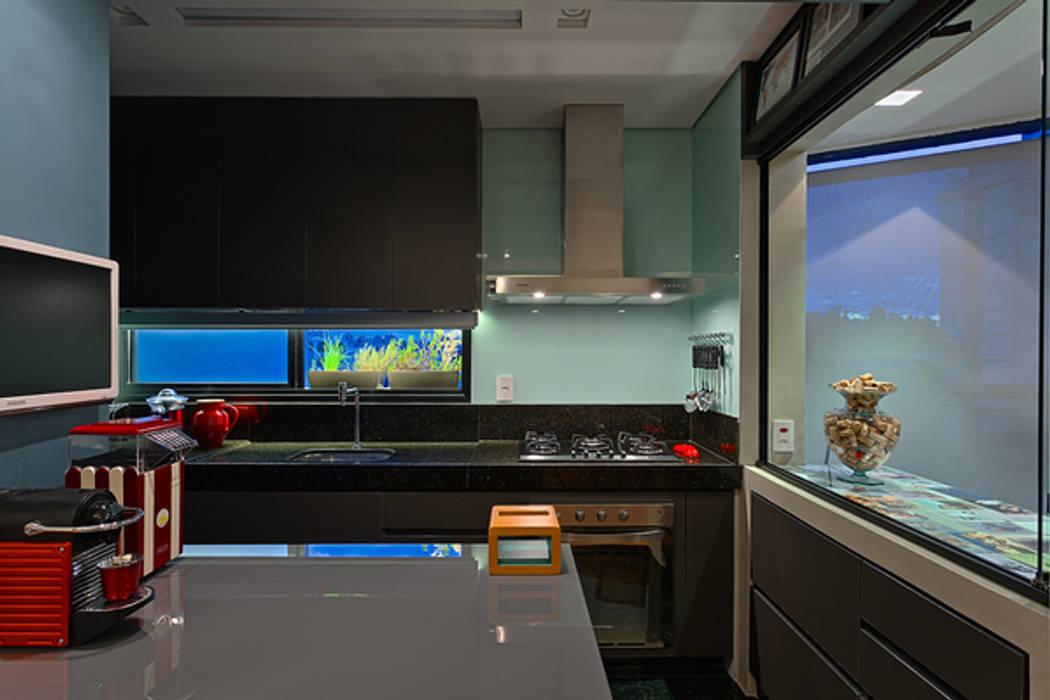 Cozinha Cozinhas modernas por Botti Arquitetura e Interiores-Natália Botelho Moderno