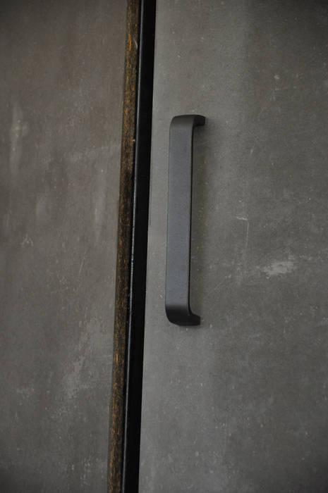 Clóset garaje Garajes modernos de Mediamadera Moderno Madera Acabado en madera