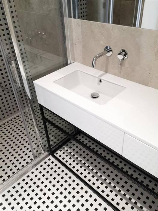 Salle de bains de style  par Projektowanie Wnętrz Suspenzo, Moderne
