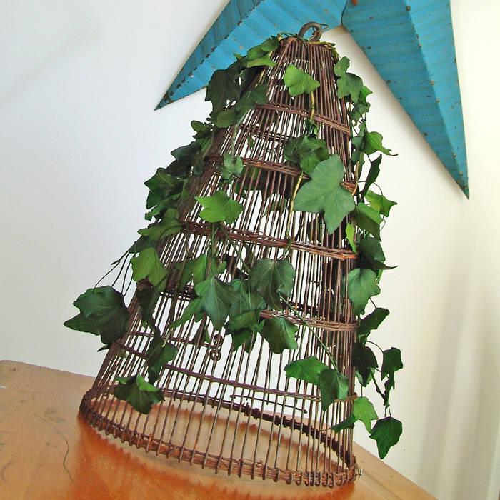 Romantisme végétal: Chambre de style de style eclectique par Adventive