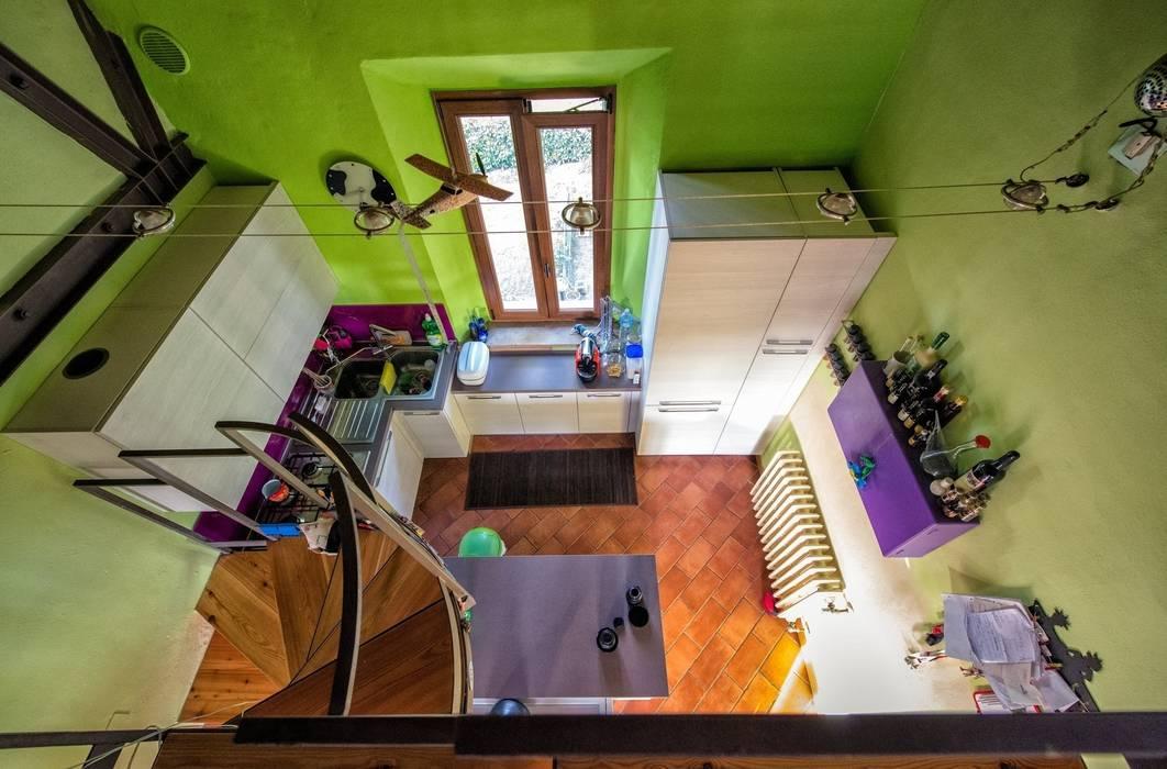 In cucina con brio: Cucina in stile in stile Eclettico di Studio Prospettiva