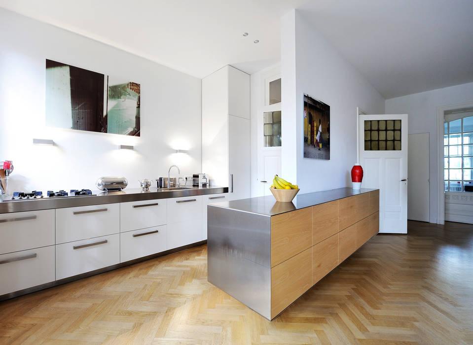 Cocinas de estilo moderno de Voorwinde Architecten Moderno