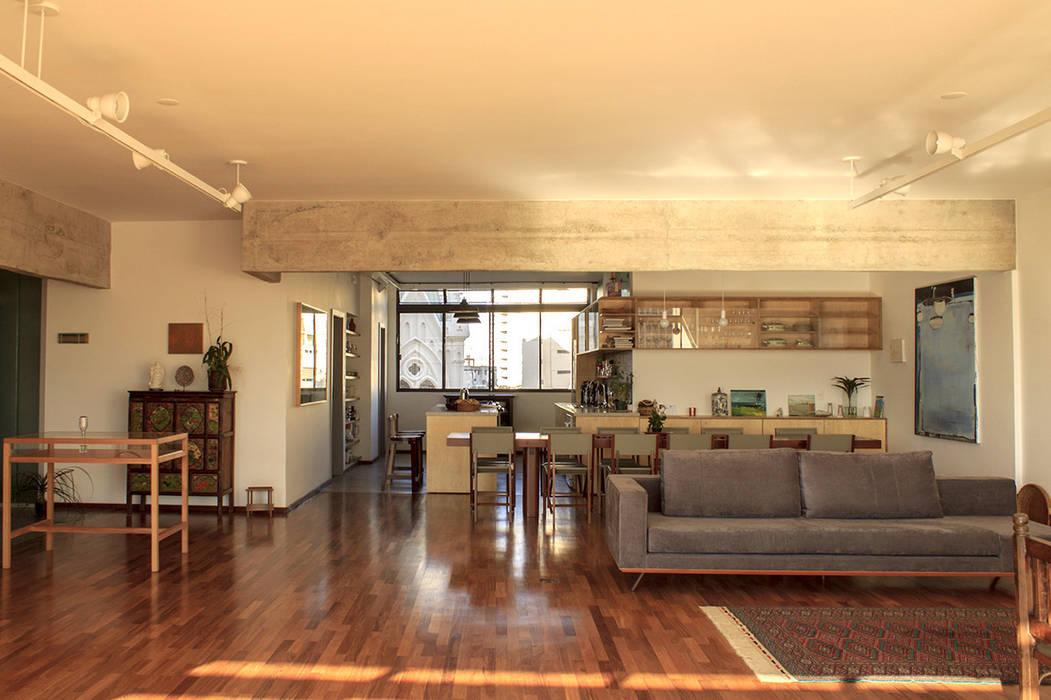 Moderne Wohnzimmer von Ruta arquitetura e urbanismo Modern