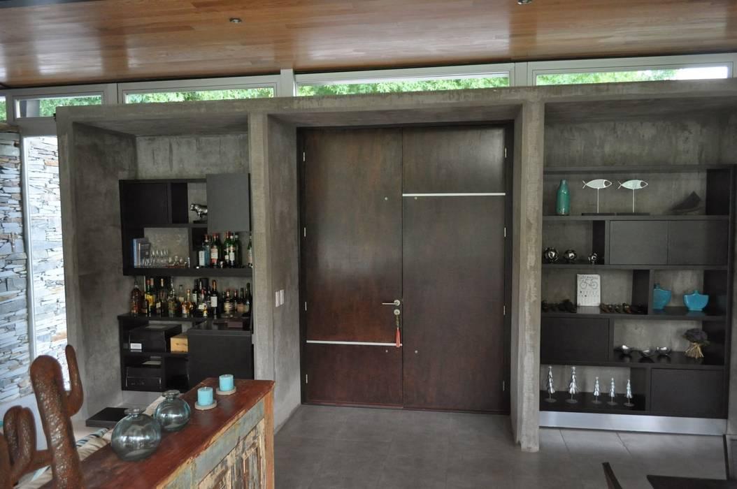 CASA 153 y 154 Baltera Arquitectura Puertas y ventanas de estilo clásico
