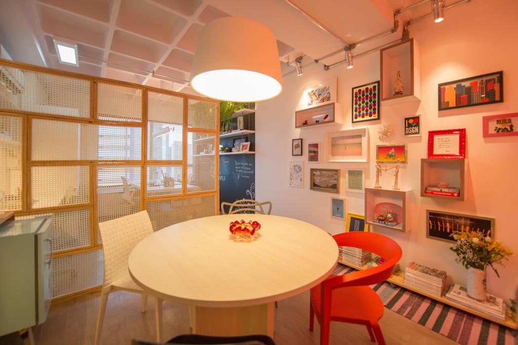Estudios y biblioteca de estilo  por Bloom Arquitetura e Design, Moderno