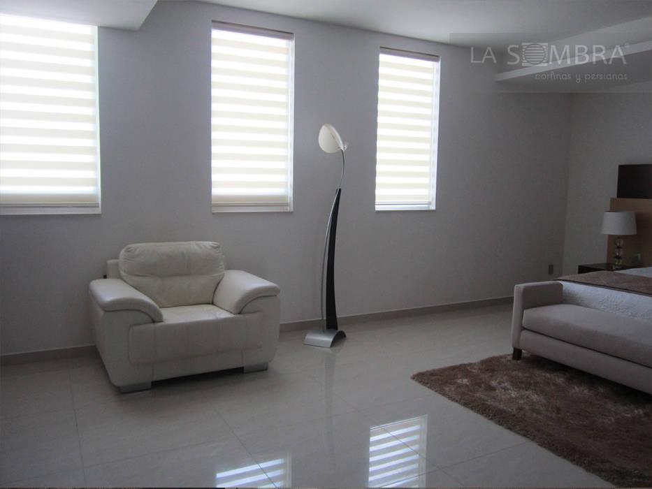 Cortina Celebrity Dormitorios minimalistas de Persianas La Sombra Minimalista