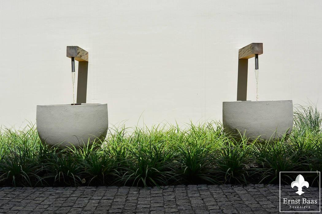 Waterelement:  Tuin door  Ernst Baas Hoveniers B.V. / Ernst Baas Tuininrichting B.V.