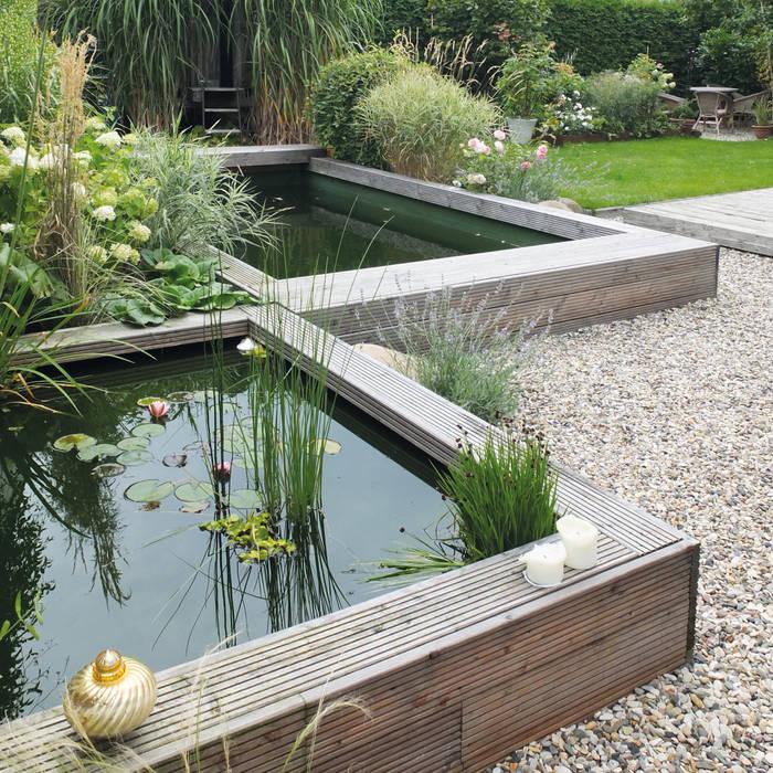 Gestaffelter Naturpool qbus architektur & innenarchitektur Minimalistischer Garten