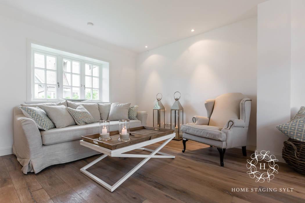 de estilo  por Home Staging Sylt GmbH, Rural