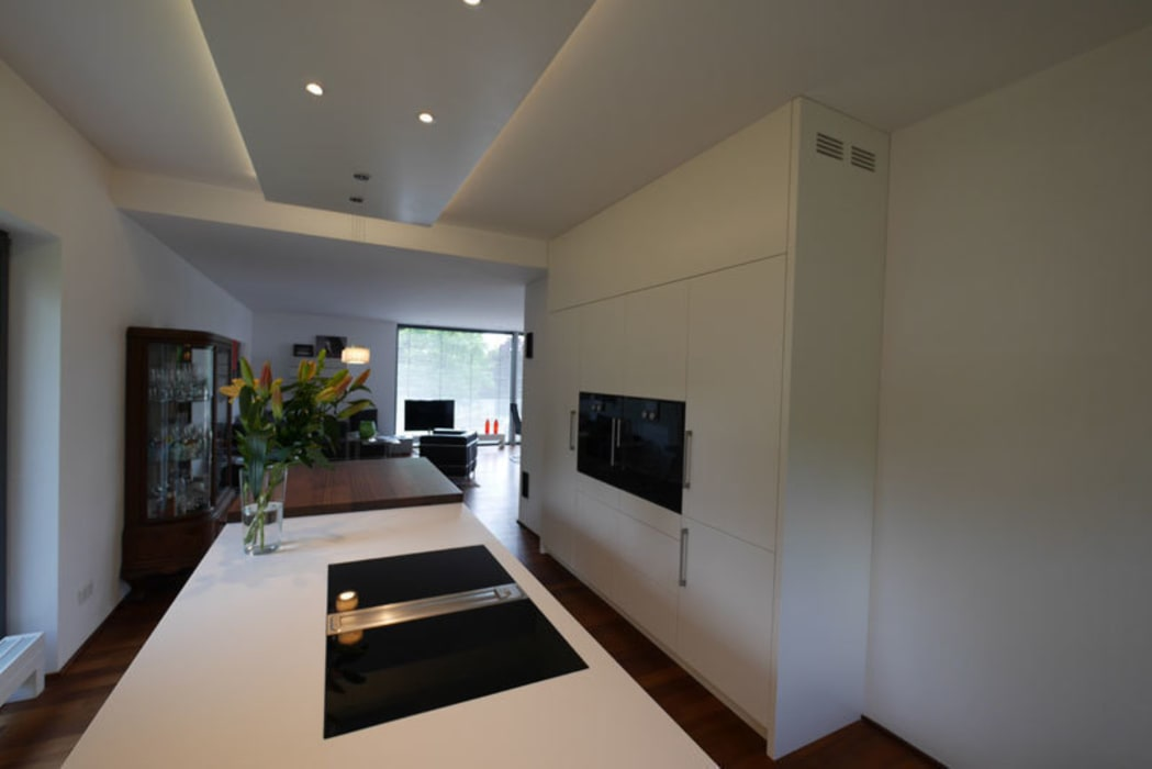 Moderne küche mit insel: küche von teamlutzenberger | homify