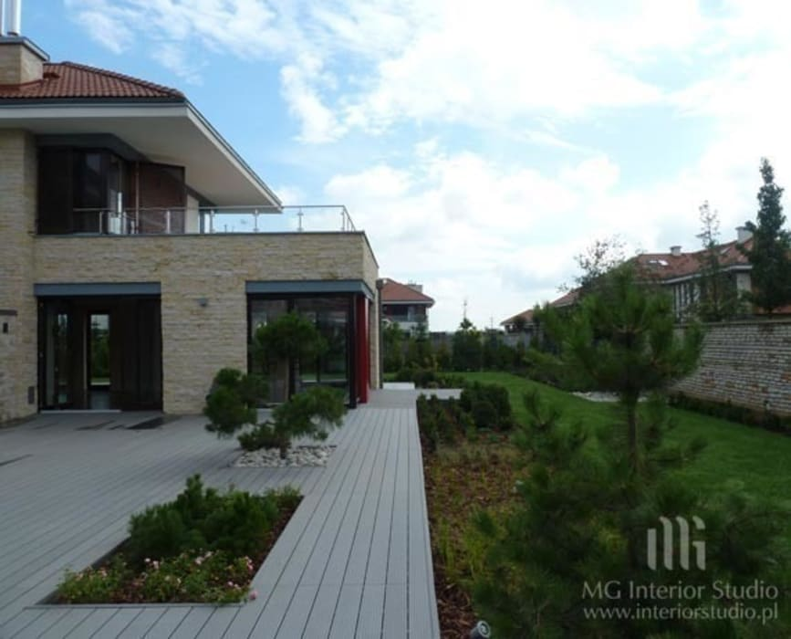 Casas estilo moderno: ideas, arquitectura e imágenes de MG Interior Studio Michał Głuszak Moderno