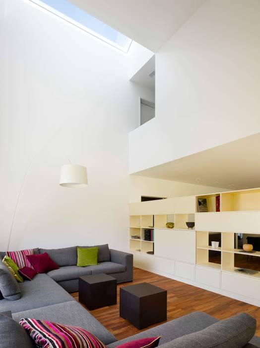 Modern Living Room by Merlo Architekten AG Modern