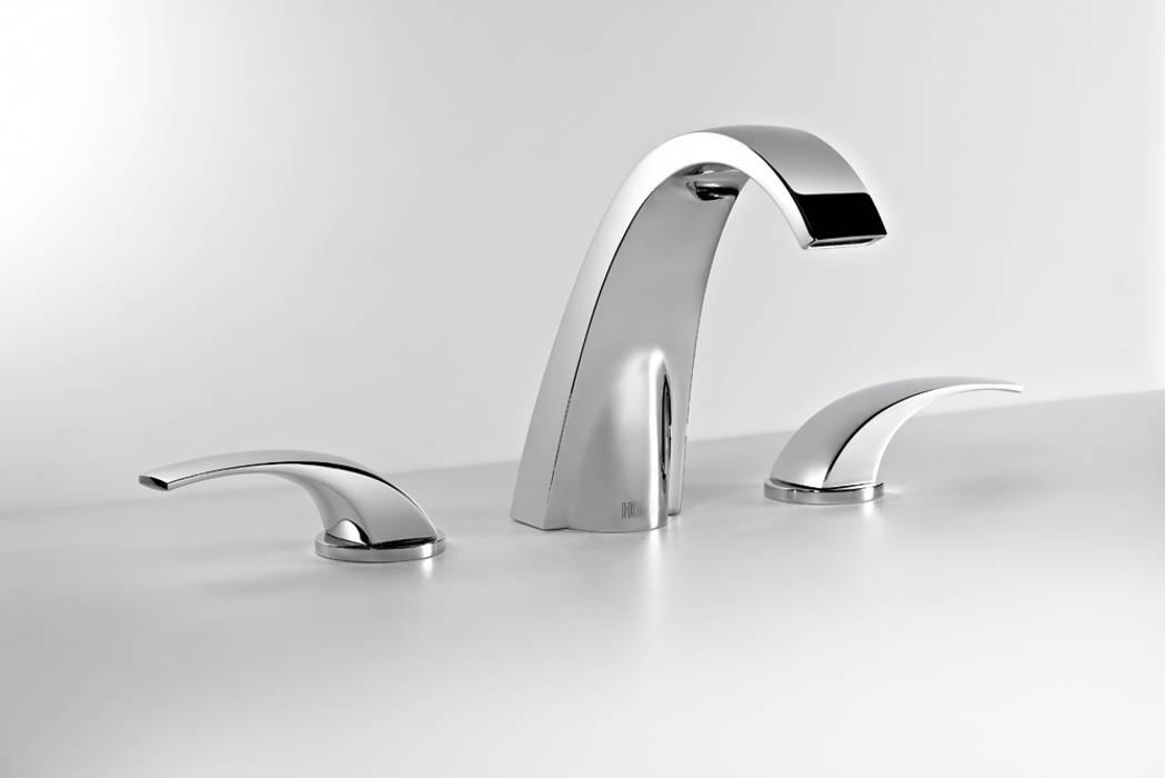 Mélangeur lavabo: Salle de bains de style  par HORUS
