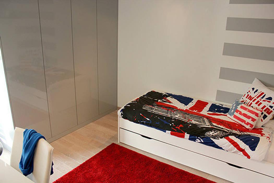 CHAMBRE D'ADOLESCENT: Chambre d'enfant de style de style Moderne par monicacordova