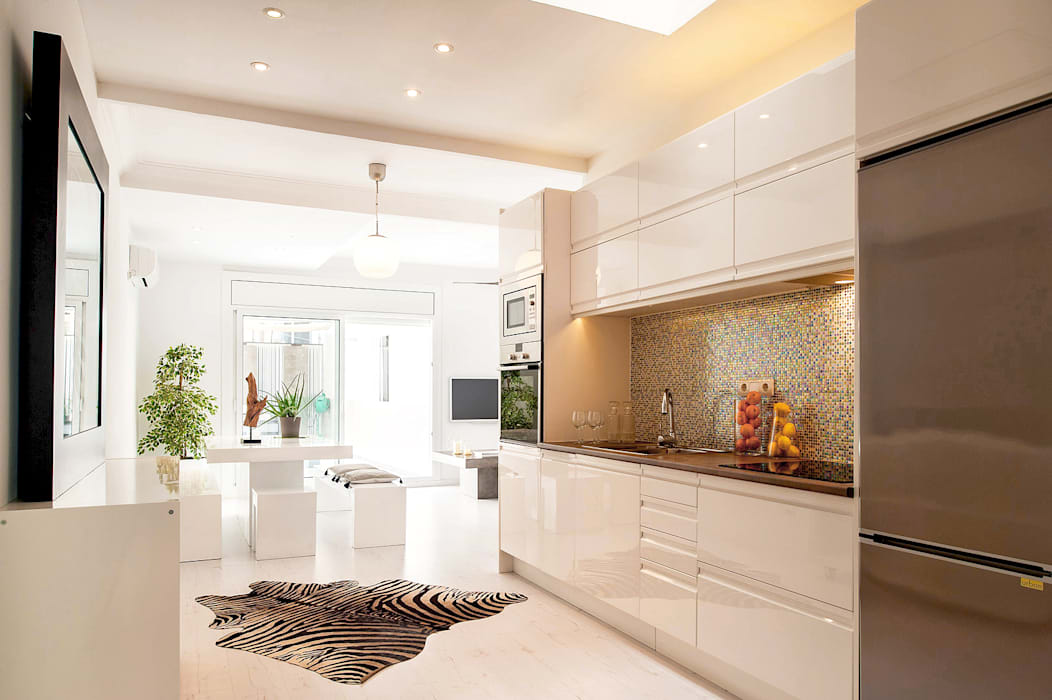 Concepto abierto y luminoso: cocina comedor salón: Cocinas de estilo  de Markham Stagers