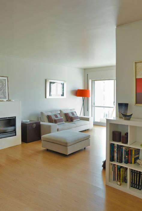 Moderne woonkamers van Germano de Castro Pinheiro, Lda Modern