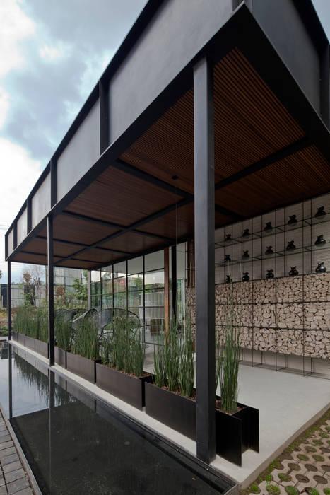 Modern Houses by Taller David Dana Modern