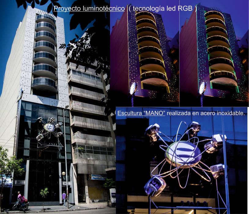 Proyecto luminotécnico: Casas de estilo  por Postigo design