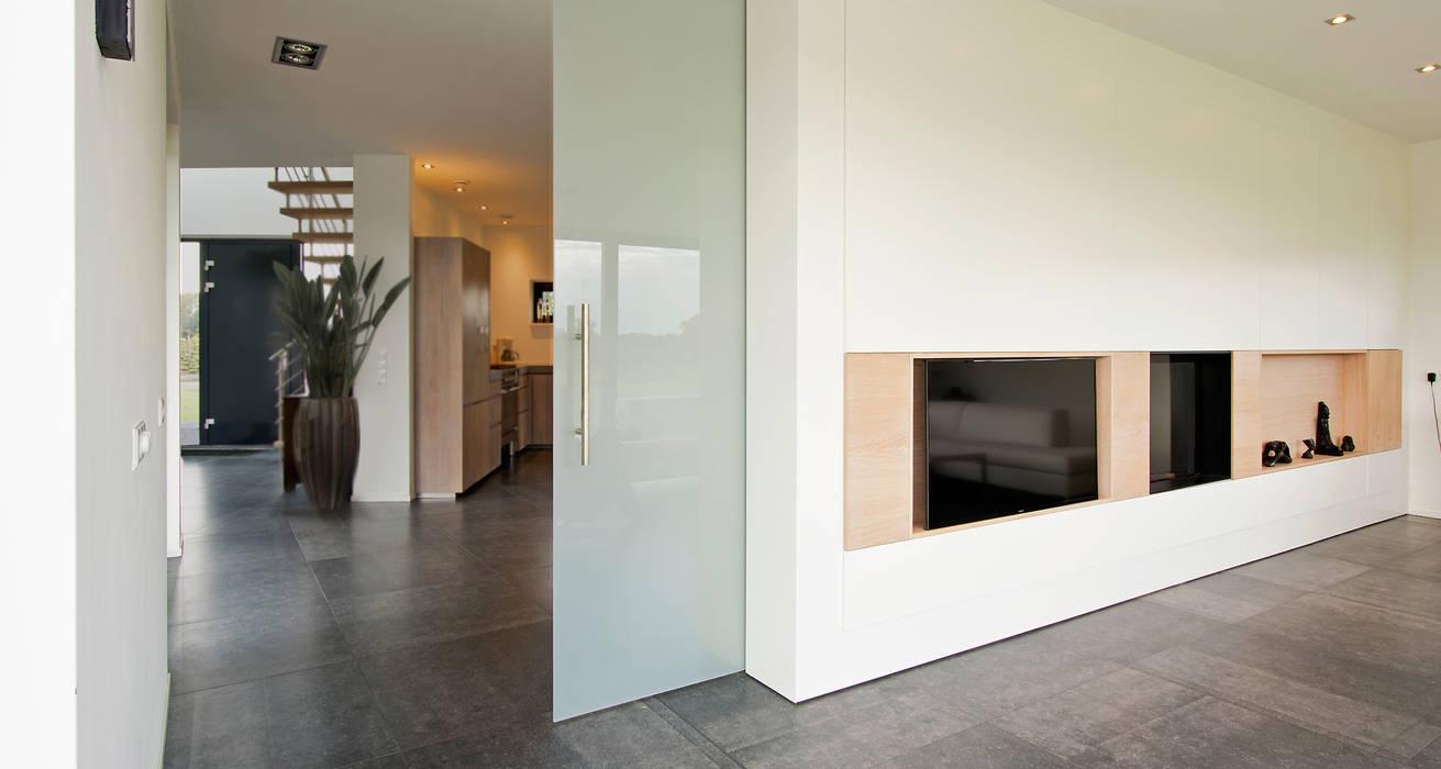 Ontworpen wand Moderne woonkamers van Building Design Architectuur Modern