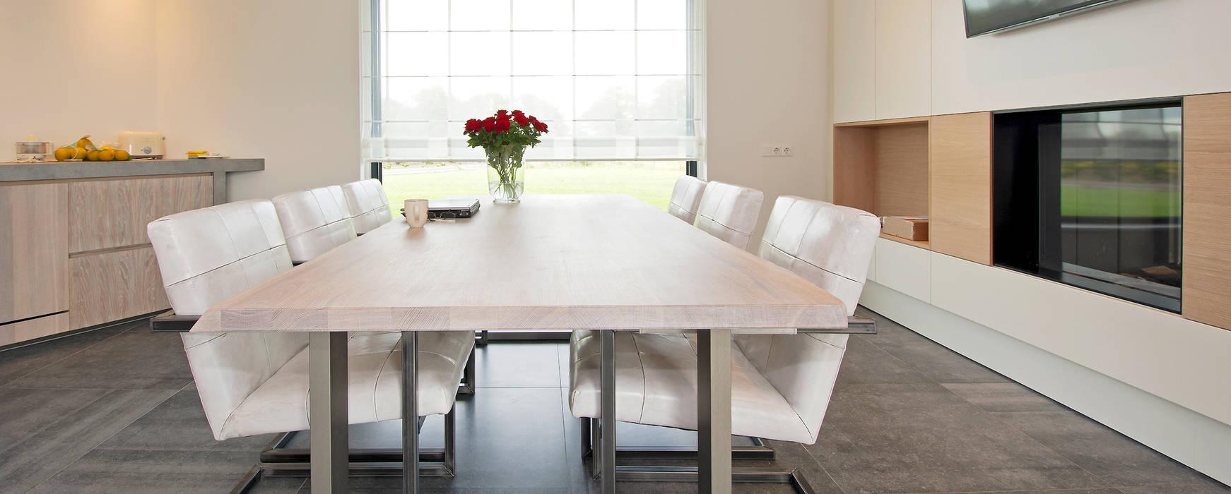 Ruime eetkeuken:  Keuken door Building Design Architectuur, Modern