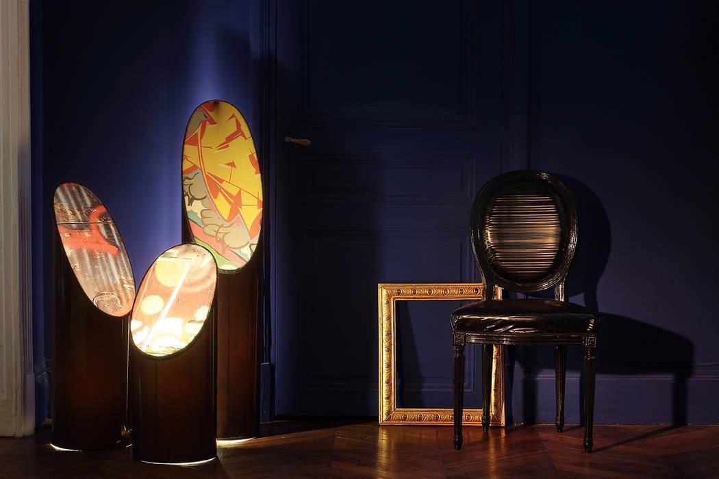 ellipses: Couloir et hall d'entrée de style  par touchoflight