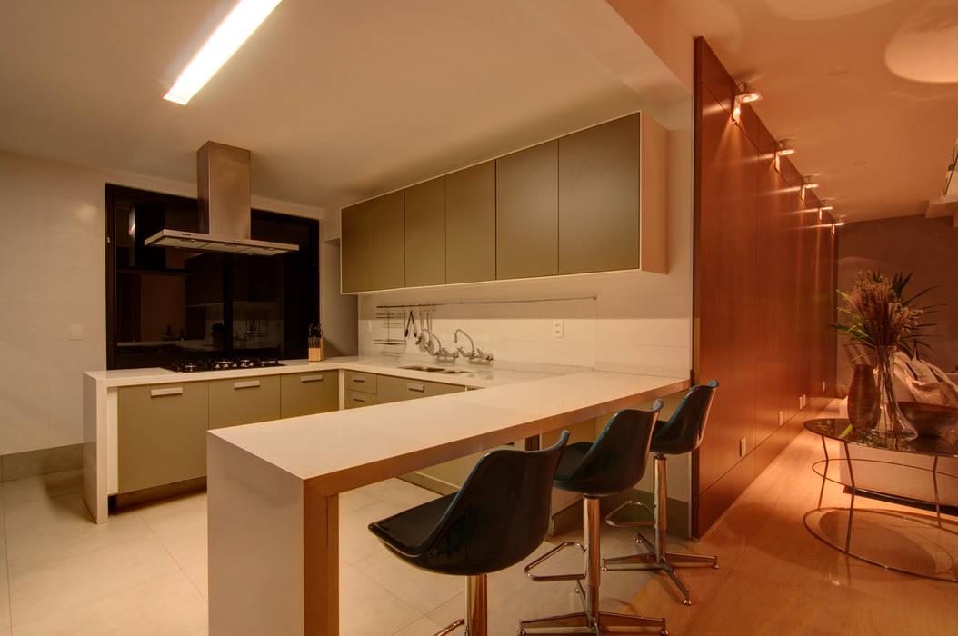 Residência TF ÓBVIO: escritório de arquitetura Cozinhas modernas