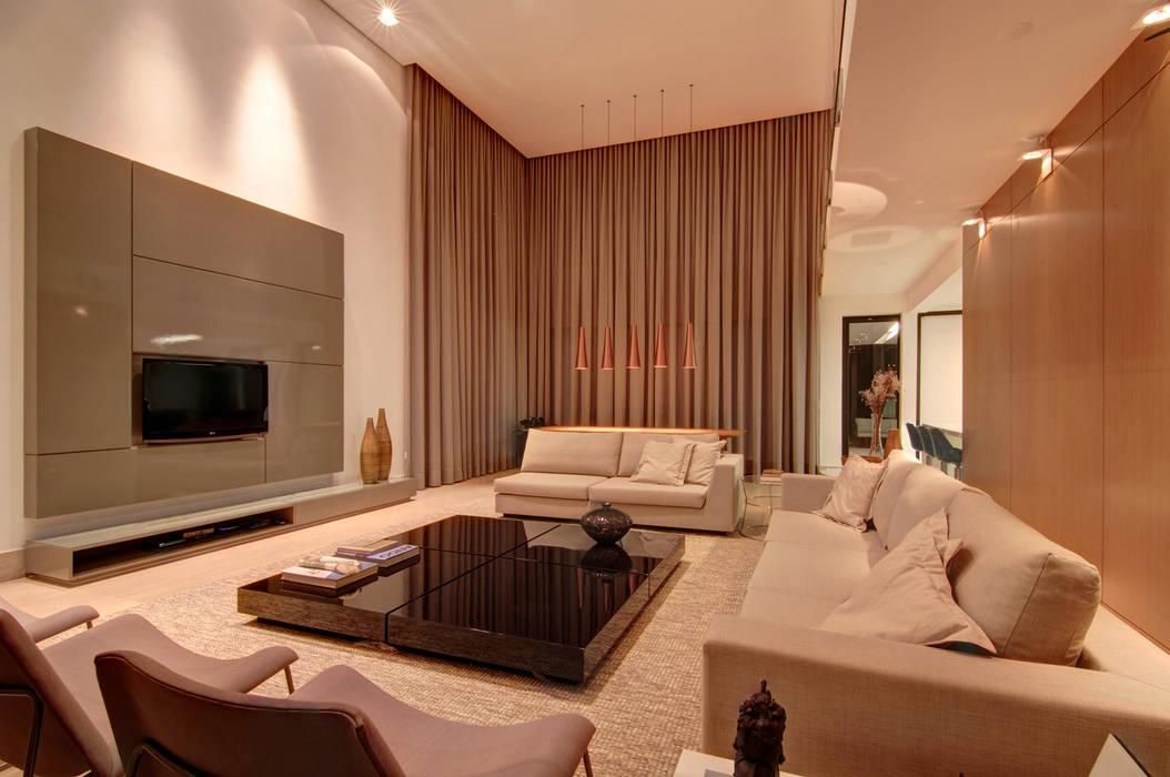 Livings de estilo moderno de ÓBVIO: escritório de arquitetura Moderno