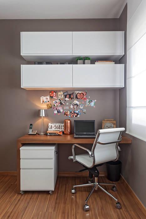 Modern study/office by ÓBVIO: escritório de arquitetura Modern