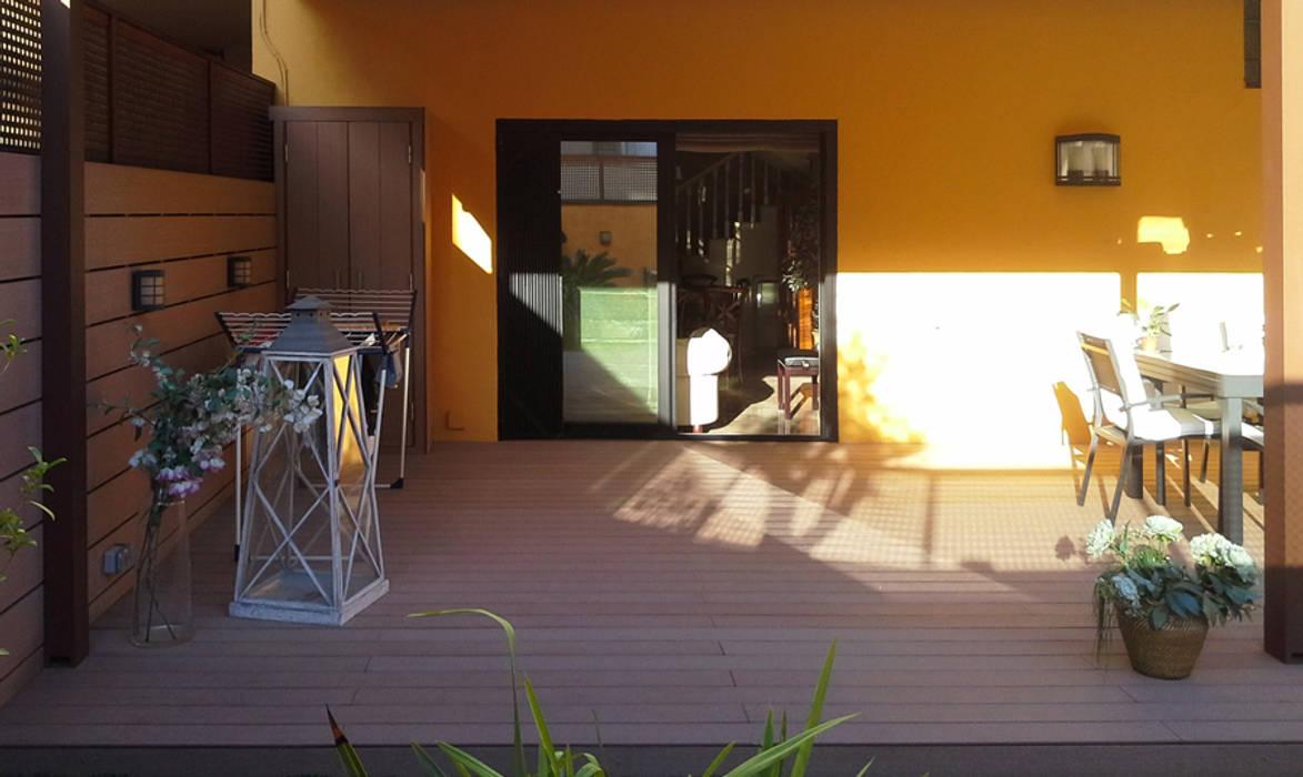 Vicente Galve Studio Mediterranean style balcony, veranda & terrace