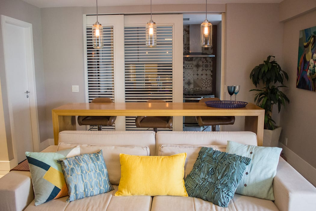 APARTAMENTO M|C: Salas de estar  por Lote 21 Arquitetura e Interiores