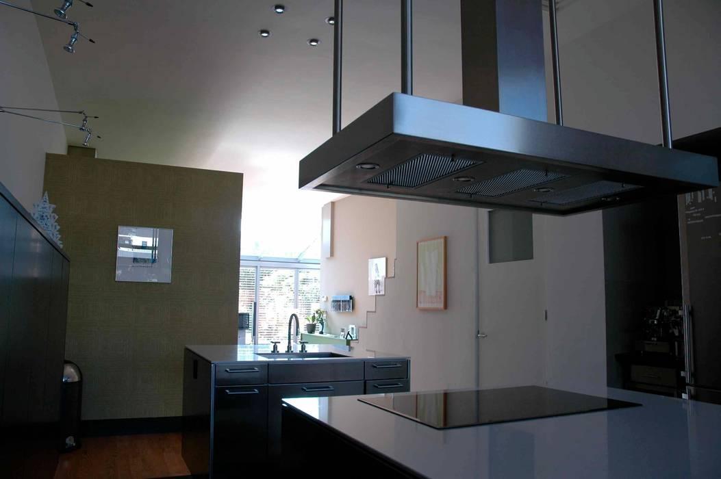 Modern Kitchen by TIEN+ architecten Modern