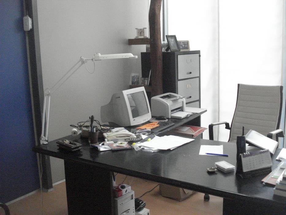 estudio: Estudios y oficinas de estilo  por CRISTINA FORNO