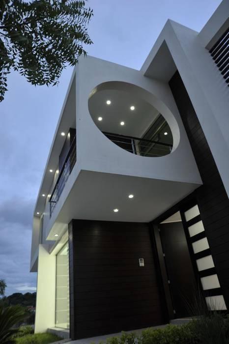 Acceso Principal San Patricio: Casas de estilo  por CONSASUR ARCHITECTURE STUDIO