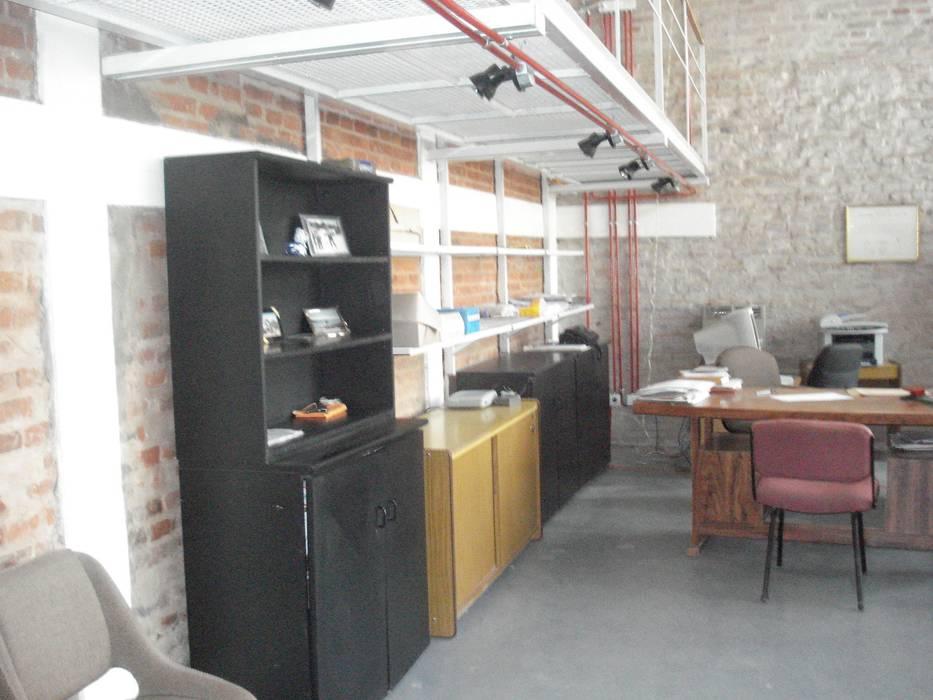 equipamiento de apoyo Estudios y oficinas modernos de CRISTINA FORNO Moderno Contrachapado