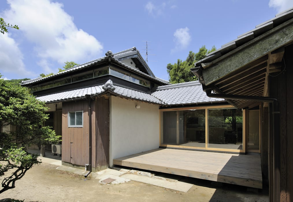 Asian style houses by 総合建築植田 Asian