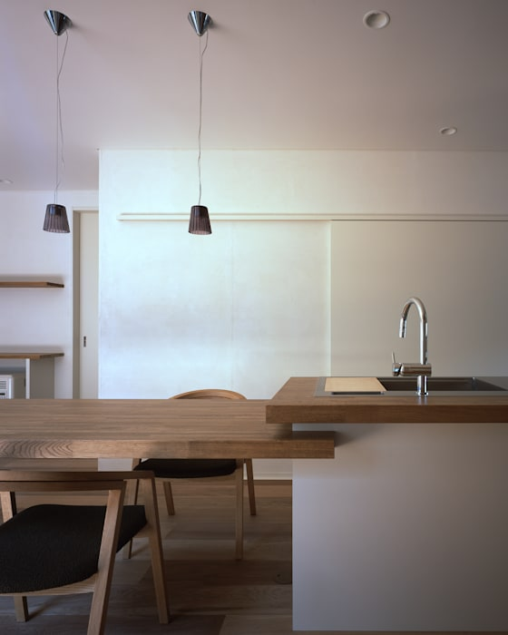 Eclectic style dining room by 飯塚建築工房 Eclectic
