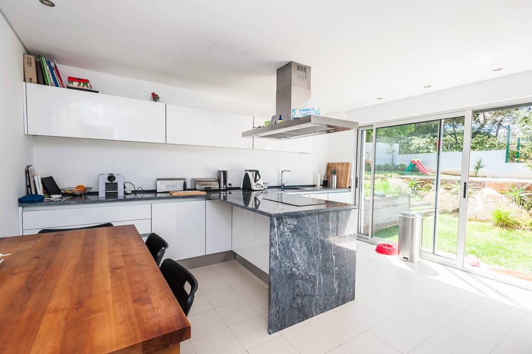 Kitchen by shfa, Modern