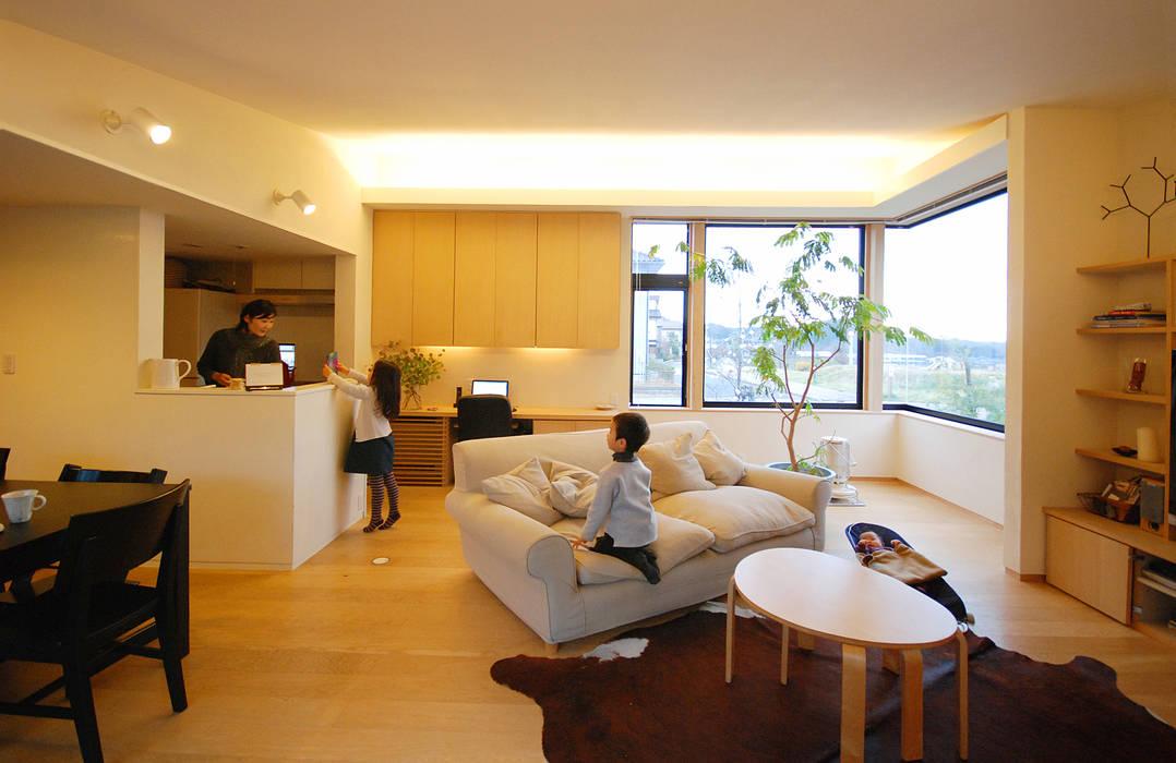一級建築士事務所A-SA工房 Salas modernas