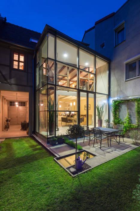 Casas de estilo  por qbatur Planungsgenossenschaft eG, Clásico